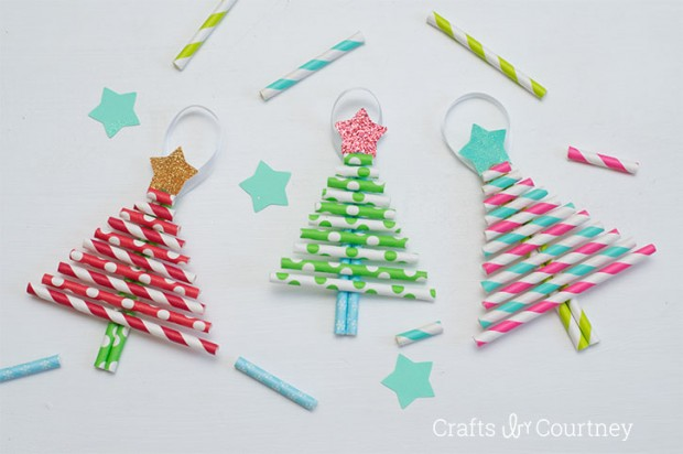 Preschool Christmas crafts are not easy to find but these 13 DIY Christmas crafts work well with toddlers and those kids in preschool.